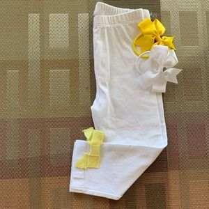 👶5/$25 Baby White Leggings with Yellow Bows